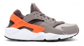 Nike Air Huarache – Sport Grey/Total Crimson-Midnight Fog