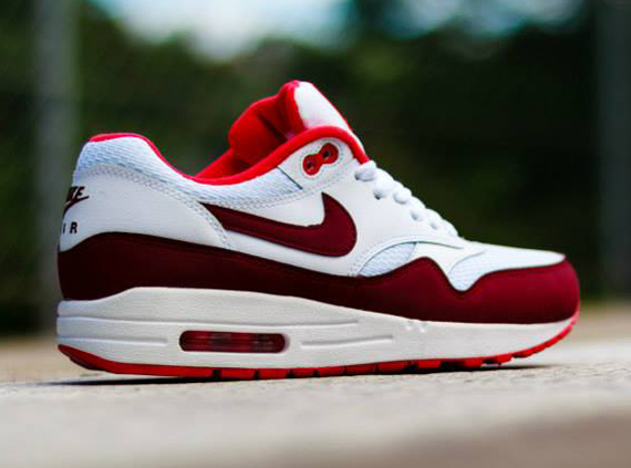 Nike WMNS Air Max 1 - White / Team Red- Action Red 2
