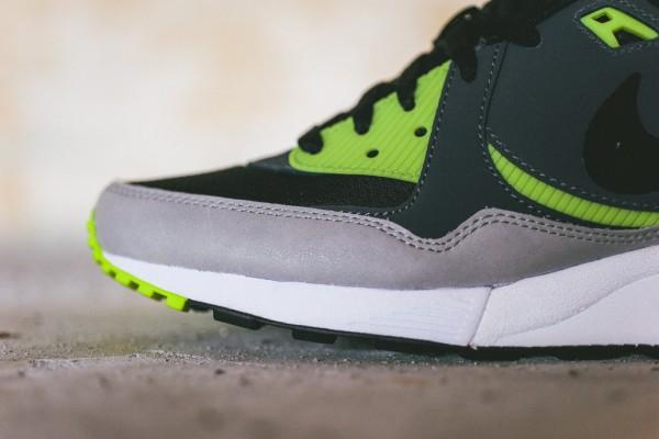 Nike Air Max Light Essential - Black/Dark Grey-Volt 2