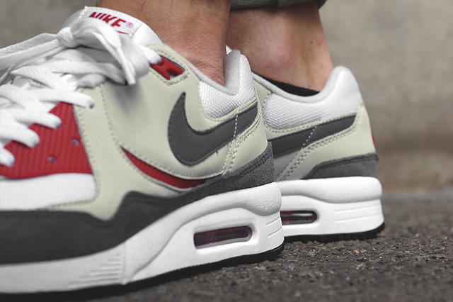 NIKE-AIR-MAX-LIGHT-GYM-RED-2