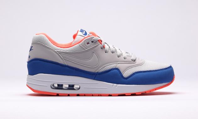 Nike-Air-Max-1-Essential-Light-Ash-Grey-Light-Ash-Grey-Hyper-1