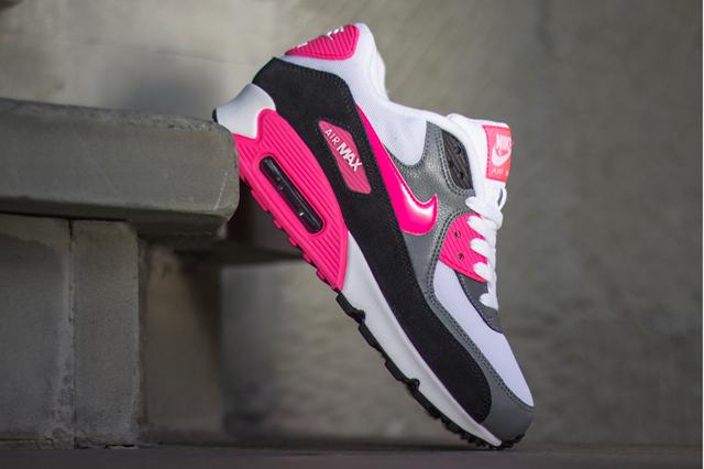 Nike-Air-Max-90-Cool-Grey-Black-Hyper-Pink-2