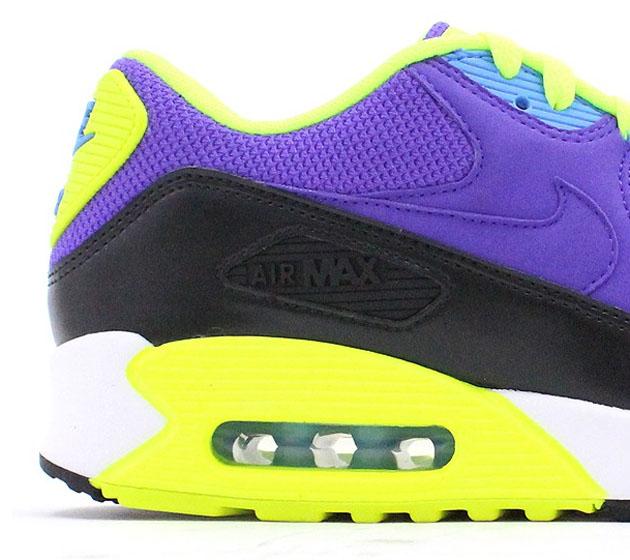 Nike-Air-Max-90-Essential-Hyper-Grape-Dark-Ash-Volt-2