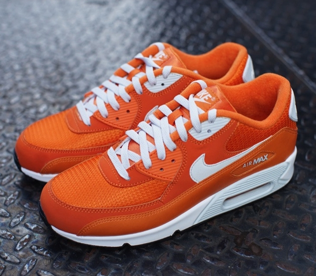 Nike-Air-Max-90-Essential-Solar-Orange-Light-Base-Grey-Sail