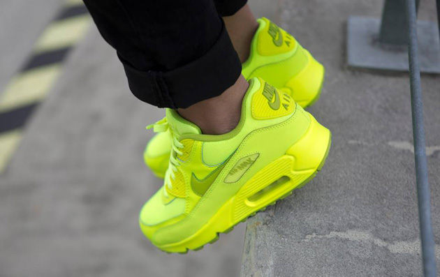 Nike-Air-Max-90-GS-Chewing-Gum-Pack-2