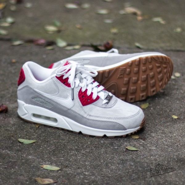 Anike-wmns-air-max-90-qs-lt-bg-chlk-summit-white-bg