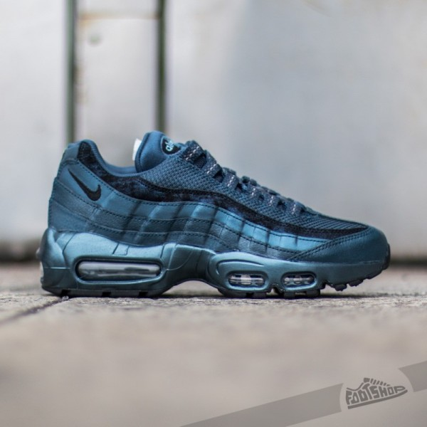 Anike-wmns-air-max-95-prm-metallic-armory-navy-black-sqadron-blue