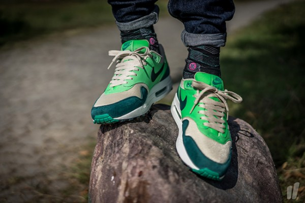 Nike Air Max 1 Essential - Birch/Dark Atomic Teal-Poison Green-Atomic Teal 3