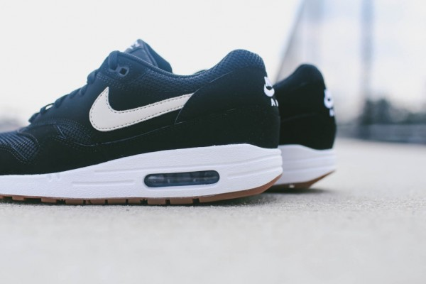 Nike Air Max 1 Essential - Black / White 2