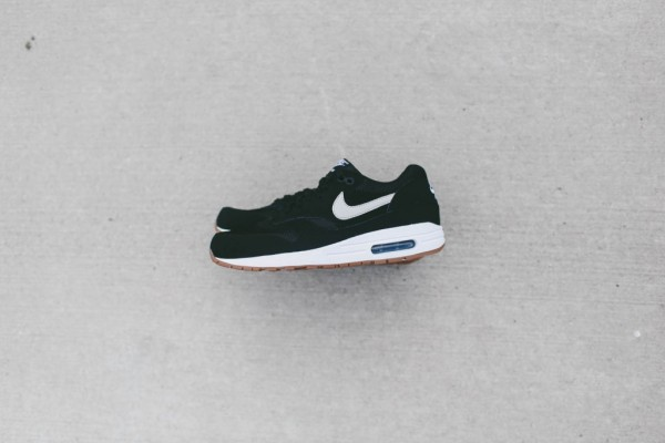 Nike Air Max 1 Essential - Black / White 3