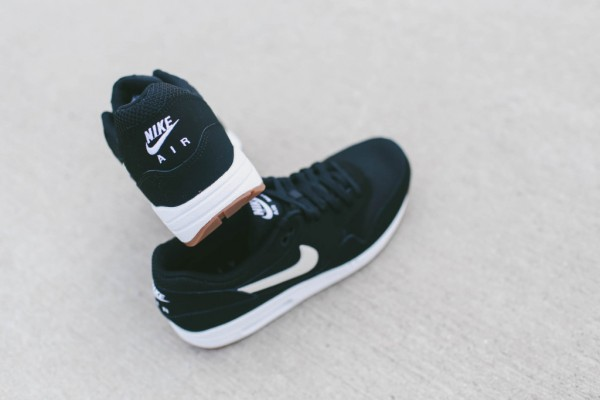 Nike Air Max 1 Essential - Black / White 6