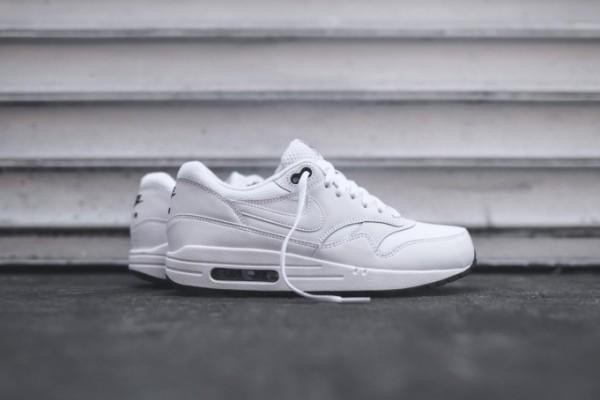 Nike Air Max 1 Essential - White / Black 1