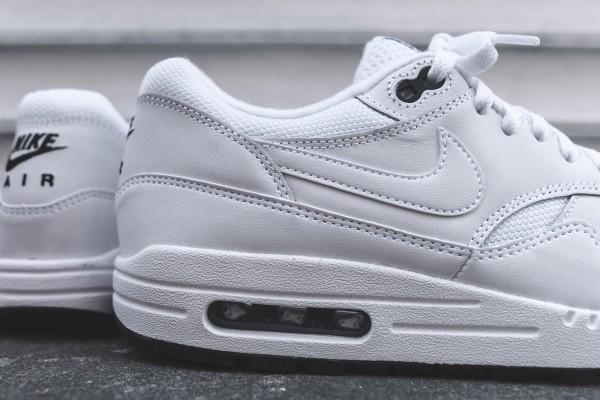 Nike Air Max 1 Essential - White / Black 3