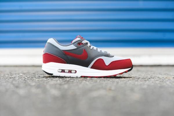 Nike Air Max 1 Essential - Wolf Grey/Gym Red 2