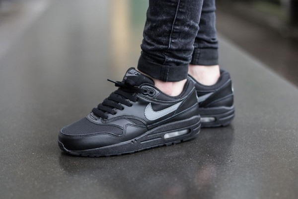Nike Air Max 1 GS - Black / Cool Grey - White 2