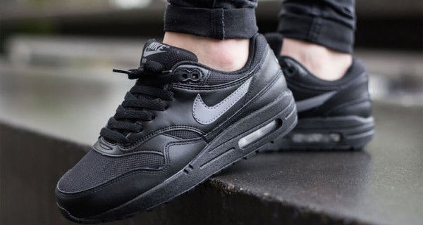 Nike Air Max 1 GS - Black / Cool Grey - White 3