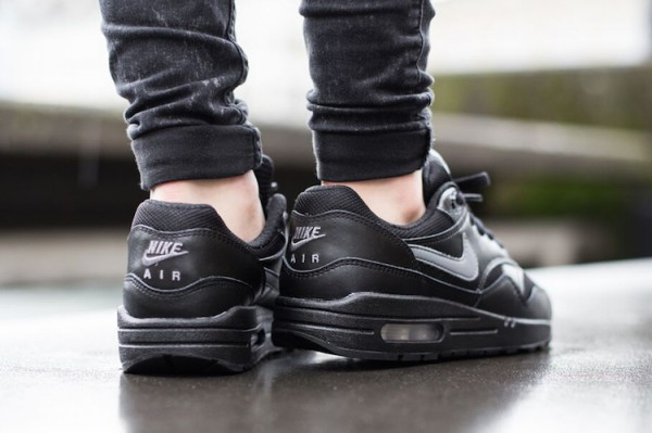 Nike Air Max 1 GS - Black / Cool Grey - White 4
