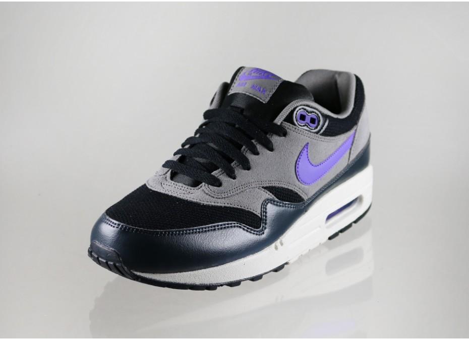 Nike-Air-Max-1-Hyper-Grape-2