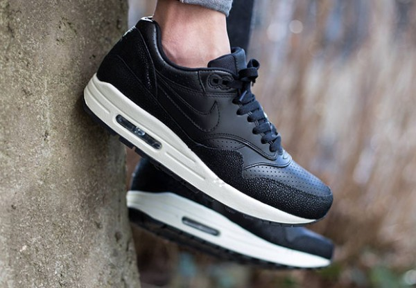 "Nike Air Max 1 Leather ""Caviar"" 3"