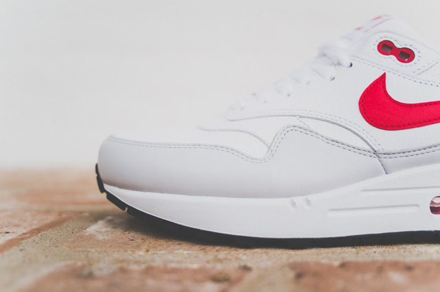 nike-air-max-1-leather-og-white-uni-red-2