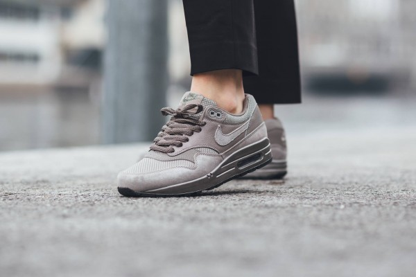 Nike Air Max 1 Premium - Iron/Metallic Pewter-Black 12