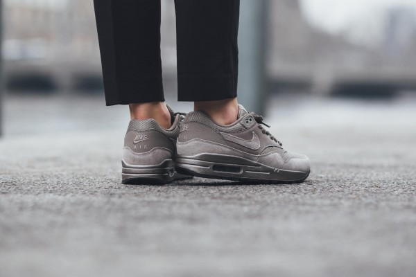 Nike Air Max 1 Premium - Iron/Metallic Pewter-Black 13