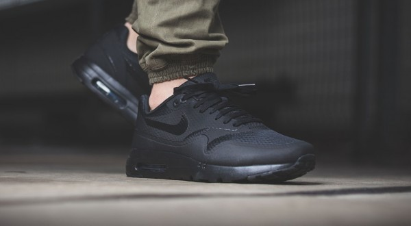 Nike Air Max 1 Ultra Essential - Black 2