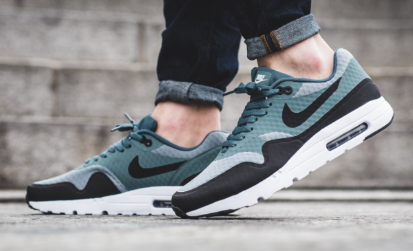 Nike Air Max 1 Ultra Essential - Shark/Black-Hasta-White 2