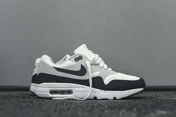 Nike Air Max 1 Ultra Essential - White/Anthracite 2