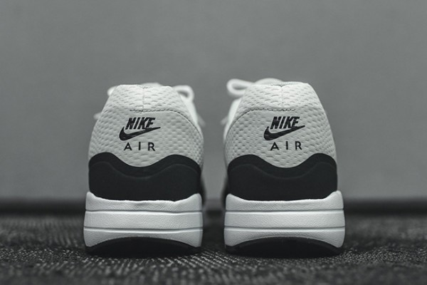 Nike Air Max 1 Ultra Essential - White/Anthracite 4