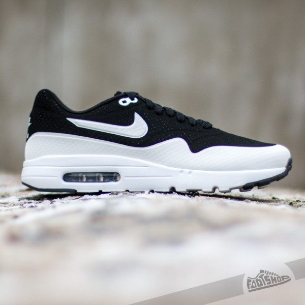 nike-air-max-1-ultra-moire-black-white-black-2
