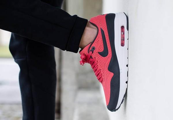 "Nike Air Max 1 Ultra Moire ""Bred"" 2"