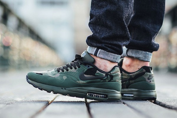 "Nike Air Max 1 Ultra Moire ""Green Camo"" 112"