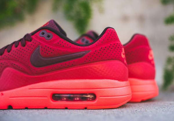 Nike-Air-Max-1-Ultra-Moire-Triple-Red-4