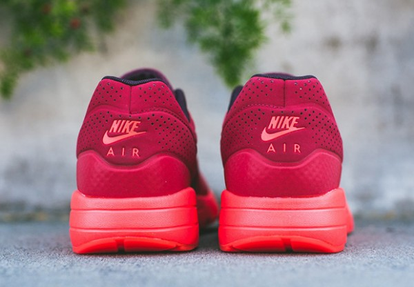 Nike-Air-Max-1-Ultra-Moire-Triple-Red-5