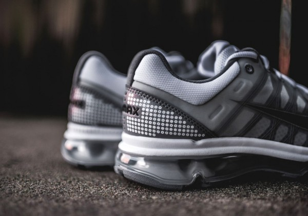 Nike Air Max 2009 - White/Black-Stealth 4