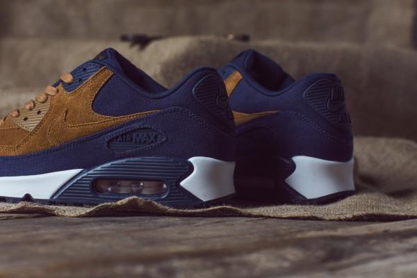 "Nike Air Max 90 ""Ale Brown"" Pack  3"