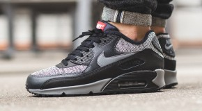 Nike Air Max 90 Essential – Black/Cool Grey-Anthracite-University Red