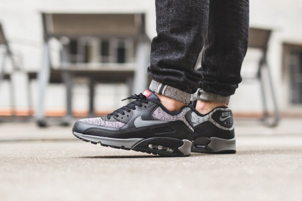 Nike Air Max 90 Essential - Black/Cool Grey-Anthracite-University Red 2