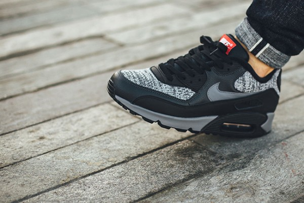 Nike Air Max 90 Essential - Black/Cool Grey-Anthracite-University Red 5