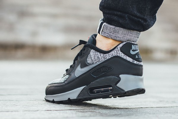 Nike Air Max 90 Essential - Black/Cool Grey-Anthracite-University Red 6