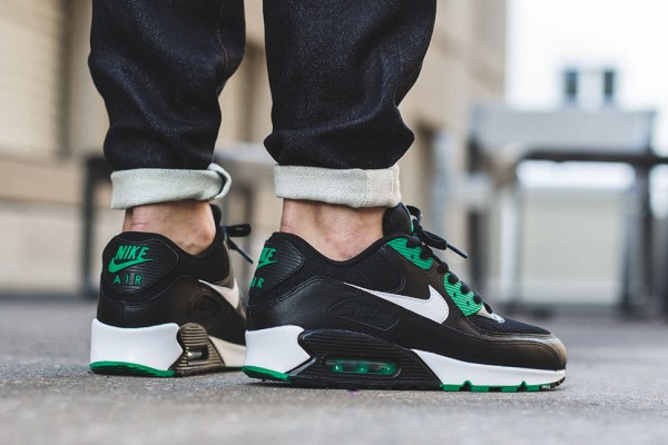 Nike Air Max 90 Essential - Black/White-Lucid Green 3