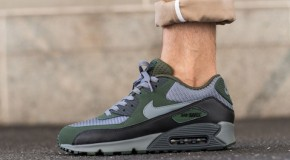 Nike Air Max 90 Essential – Cool Grey/Clear Grey-Black-Carbon Green