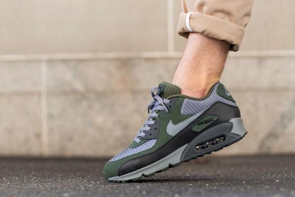 Nike Air Max 90 Essential - Cool Grey/Clear Grey-Black-Carbon Green 2