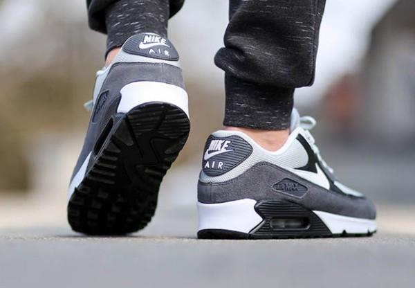 Nike Air Max 90 Essential - Grey Mist / White - Dark Grey 3