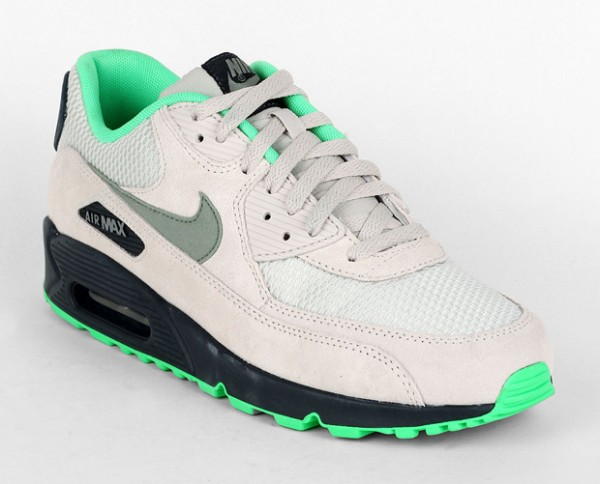 Nike Air Max 90 Essential - Light Bone / Jade Stone - Classic Charcoal 2