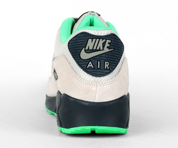 Nike Air Max 90 Essential - Light Bone / Jade Stone - Classic Charcoal 4