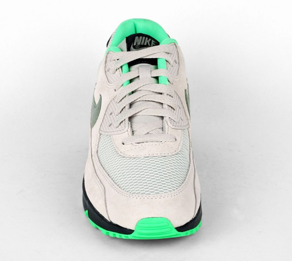 Nike Air Max 90 Essential - Light Bone / Jade Stone - Classic Charcoal 5