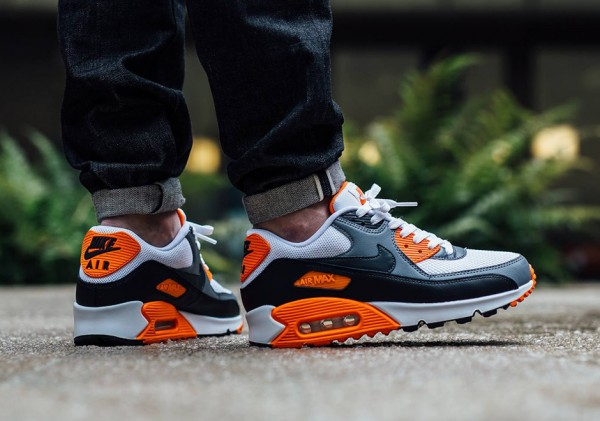 Nike Air Max 90 Essential - White/Anthracite-Cool Grey-Black 2