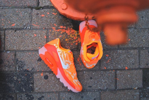 nike-air-max-90-ice-atomic-mango-1